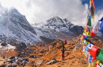 ibetan-flags-at-annapurna-base-camp-4200m_640_480